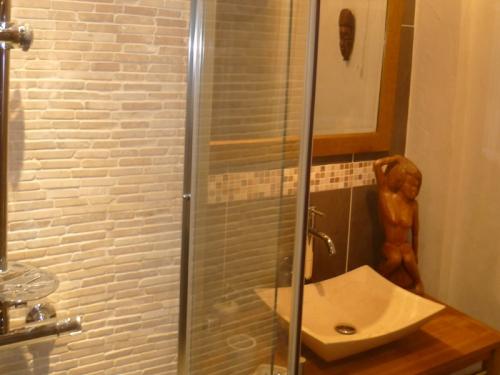 Renovation de salle de bain r nover la salle de bains - Renovation salle de bain pas cher ...